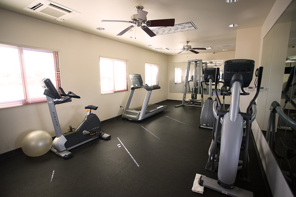 Pacific Views Lodge gym