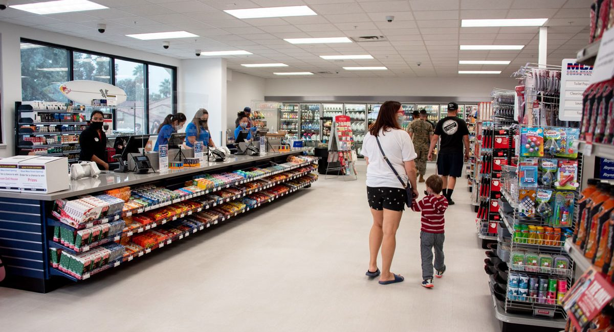 marine mart shoppers and cashiers